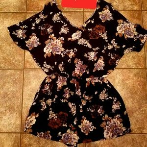 Other - Ladies short romper